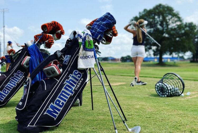Memphis golfclubs op de green