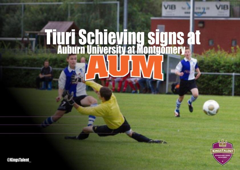 Tiuri Schieving signs at AUM