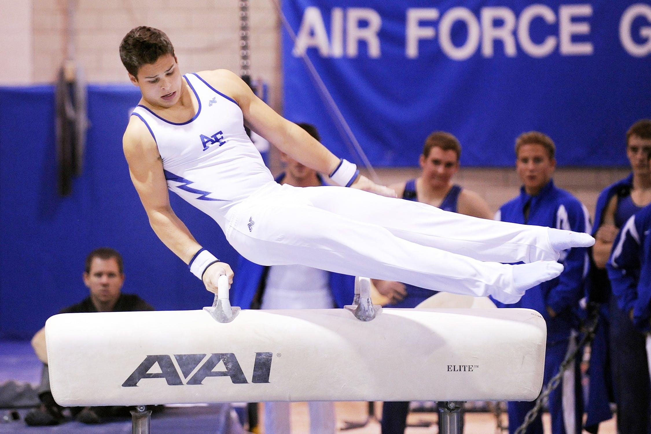 mannen college gymnastics